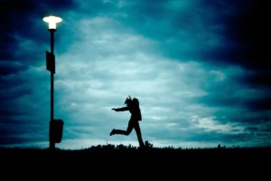 girl-at-night-running-cloud-68171